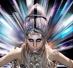 """Lady Gaga en imagen del sencillo """"Born This Way"""""""