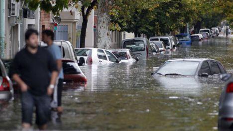 argentina_inundaciones-temporal_La_plata_MDSIMA20130403_0371_4
